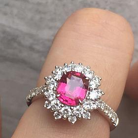 1.11克拉垫型无烧红粉蓝宝石戒指
