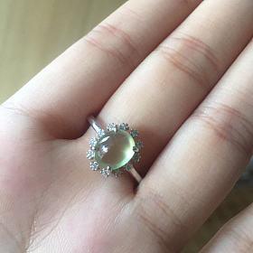 出几个水晶戒指
