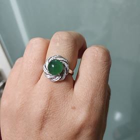 出18k金戒指(有送礼物)