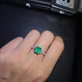 18k白金南非钻镶嵌赞比亚vvd green祖母绿戒指