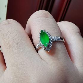 玻璃种帝王绿马眼戒指