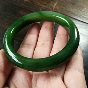 和田玉俄碧玉菠菜绿厚装手镯58.2mm