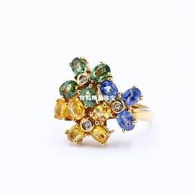 18K黄金天然彩色蓝宝石花朵戒指