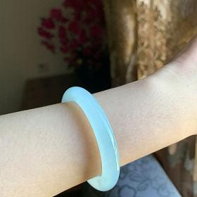 翡翠 莫西沙 天空蓝 圆条 手镯 镯子 玉镯