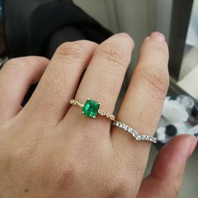 新做的祖母绿戒指