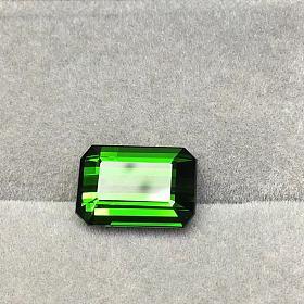 电光绿长方形碧玺
