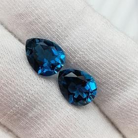 天然伦敦蓝托帕石水滴形切角 8*10,两粒5.38克拉