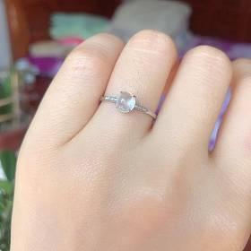 天然18 k金钻镶嵌高冰种翡翠白冰戒指强荧光起胶感