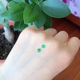 强荧光小眼睛飘阳绿玻璃种翡翠蛋面小灯泡有证书