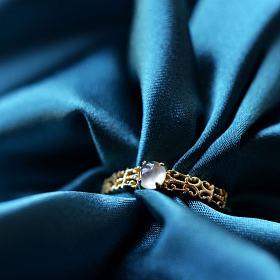 玻璃蛋14k黄金镶嵌蕾丝戒指