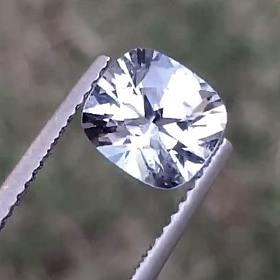 缅甸尖晶石 1.99ct金属银灰色 完美切割满火彩 裸石戒面