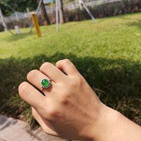阳绿戒指18K金钻石镶嵌12.5圈