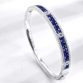 经典款18K白金无边镶蓝宝石钻石手镯