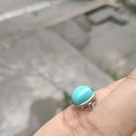 绿松石银镶嵌戒指