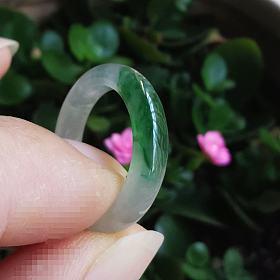 13圈号起光冰飘绿指环