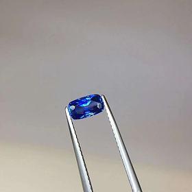 0.95ct 拉斯里兰卡蓝宝石 7.16*4.25MM