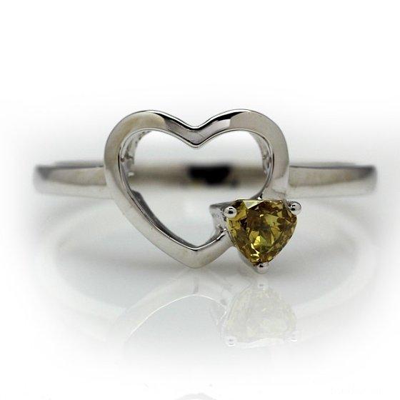 棕黄系列心形彩钻戒指_镶嵌戒指彩钻珠宝