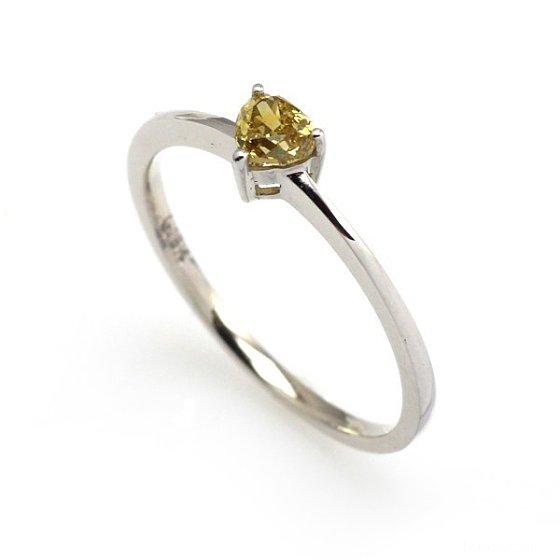 棕黄系列心型彩钻戒指_镶嵌戒指彩钻珠宝