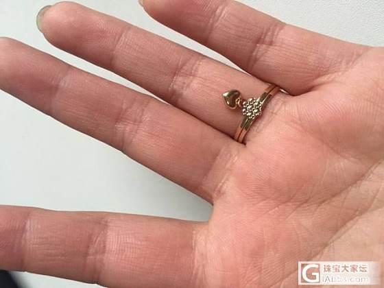 晒晒过年收的两个小戒指~ 比不上姐妹的重器,别见笑哈_戒指金