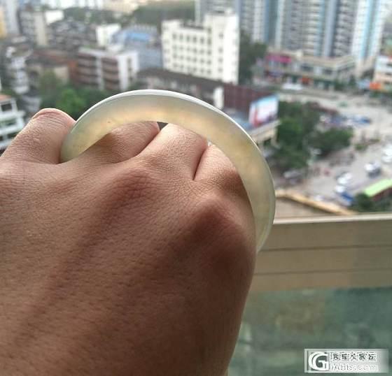 找个54-58冰油青圆条手镯_翡翠