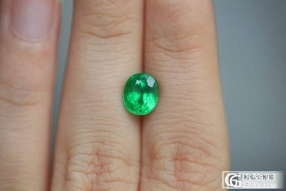 各种不同绿色的石榴石。石榴石品种真丰富!_石榴石刻面宝石