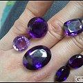 浓郁紫水晶戒面。带蓝调。火彩闪闪。