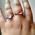 新买的玻璃戒指,忍不住秀秀