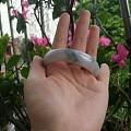 超低价出一个52小圈口的粉紫飘花翡翠镯子,圈口合适就是赚到了