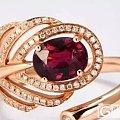 珠宝戒指戴哪个手指最漂亮?