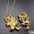 18k黄金萌猫天然祖母绿宝石胸针吊坠两用款AU750可爱小猫咪项链