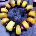 古董老蜜蜡全品手钏,配的海南黄花梨隔珠。