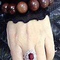 3卡的鸽血红万博体育manbetx官网戒指。选了一个费酱油的款。