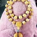 把原来的蜜蜡项链的三通改成了老蜡,拆腾不止的节奏。