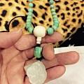 最新完工的无铁线绿松项链搭配和田玉莲蓬,大家看看美不美?