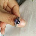 颜色不美的蓝尖晶戒指