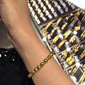 晒晒今天刚在香港入的金珠手链,顺带把其他乱七八糟的一起发上来