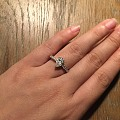 求一卡拉梨形钻,做什么款式的戒指好看?