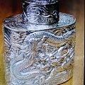 今天小拍淘了一个高浮雕满工茶叶罐