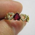 发个秀气点的心形红宝石镶嵌,之前看到有MM找这种款式的