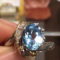 Pt900/18K 蓝色托帕石 钻石 size10 总重7.2克 44000...