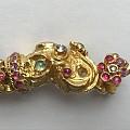周末逛新开张的古董珠宝店,印度22K金镶嵌宝石手链。两只小象头对头。