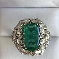 3.90克拉,AGL哥伦比亚 无油祖母绿镶嵌钻石戒指,看上去像6克拉