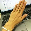 最近的新宠---谢家的两圈戒指。