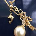 金珍珠吊坠