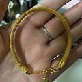 出一只六福的黄金软镯链~
