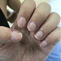 我觉得可剥式指甲油还是挺伤指甲的
