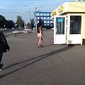 今天去找俄罗斯人鉴别下亚历山大变石,在街上碰到俄罗斯姑娘站街的,