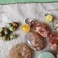 一大堆闲置全部处理 绿松蜜蜡都是自己磨的还有樱花玛瑙