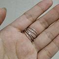 Tiffany五环18k白金戒指 正品。保单,盒子齐全。特别的款式。美码6....