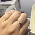 前几天刚收了公主方小钻戒💍,昨天老妈又给买了个爱心小戒指!